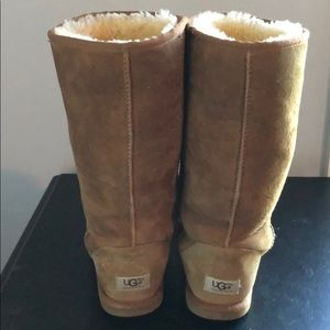 Ugg Tall Boot Chestnut 8, great condition.